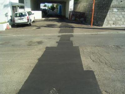 屋外給水工事。<br /> 道路、宅地内の舗装を復旧し、屋外給水工事は完了致しました。