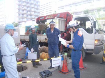 消防署検査。札幌市南消防署<br /> 内部ライニング完成確認検査状況