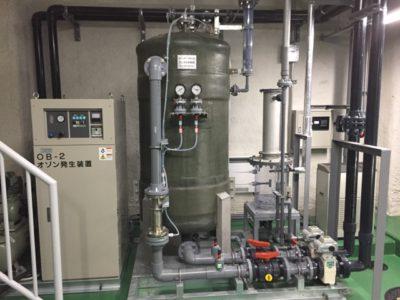 ろ過した水は、オゾンと次亜塩素酸によって殺菌します。