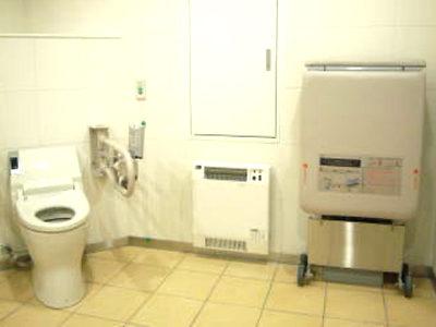 多目的トイレ:電気ヒーター(衛生器具類:衛生工事)