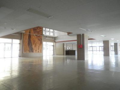 1階のホール。開校後はカフェスペースとして活用されます。