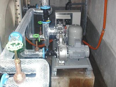 給水ポンプ交換・配管更新保温完了
