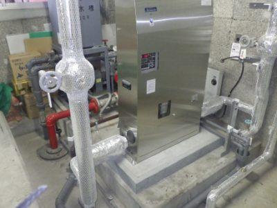 ポンプ室:施工完了<br /> 給水システム:水道直結型加圧給水方式に更新<br /> 受水槽が不要となり(受水槽の定期清掃も不要)<br /> 札幌市のおいしいお水が蛇口から直接出るようになりました。