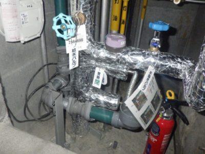 各戸パイプシャフト:施工完了<br /> 札幌市水道局の基準を満たす配管、<br /> 各戸水道メーター、弁類にて更新完了。